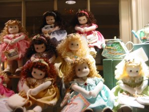 The gift shop had dolls...